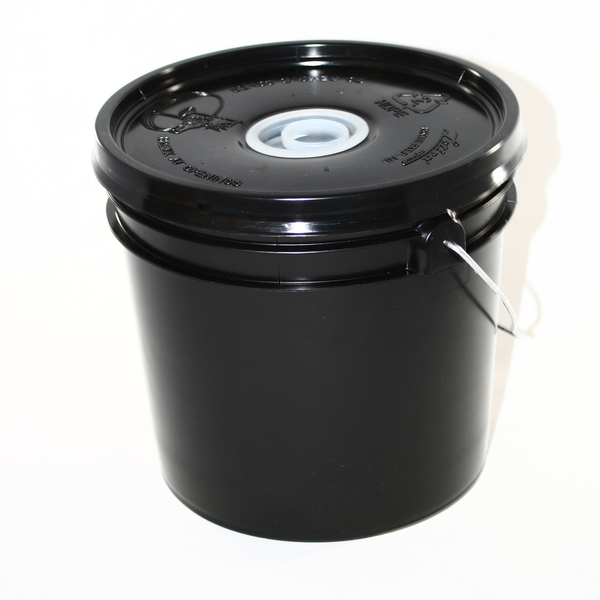 Bucket Feeder With Plug Bee Well Honey Farm